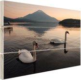 Zwanen voor berg Fuji Hout 30x20 cm - klein - Foto print op Hout (Wanddecoratie)