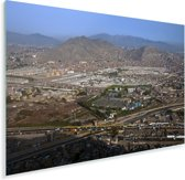 Helder blauwe hemel boven Lima Plexiglas 120x80 cm - Foto print op Glas (Plexiglas wanddecoratie)