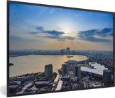 Foto in lijst - Zonsondergang boven het jinji-meer in Suzhou fotolijst zwart 60x40 cm - Poster in lijst (Wanddecoratie woonkamer / slaapkamer)