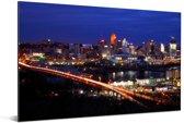 De skyline van Cincinnati in de Verenigde staten bij nacht Aluminium 90x60 cm - Foto print op Aluminium (metaal wanddecoratie)