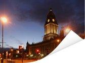 Het stadhuis van Leeds tijdens de avond Poster 160x120 cm - Foto print op Poster (wanddecoratie woonkamer / slaapkamer) / Europese steden Poster XXL / Groot formaat!