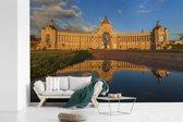 Fotobehang vinyl - Het zonovergoten landbouwpaleis in Kazan breedte 390 cm x hoogte 260 cm - Foto print op behang (in 7 formaten beschikbaar)