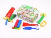 Fantasie klei + accessoires in blikke doos groot