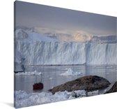 Boot voor de IJsfjord van Ilulissat in Groenland Canvas 180x120 cm - Foto print op Canvas schilderij (Wanddecoratie woonkamer / slaapkamer) XXL / Groot formaat!