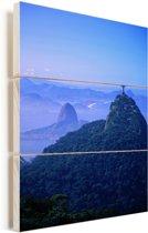 Het Christus de Verlosser beeld in Rio Vurenhout met planken 60x90 cm - Foto print op Hout (Wanddecoratie)