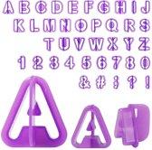 Fondant Uitstekers set 40 delig met alfabet en cijfers voor het professioneel garneren van taarten en cake