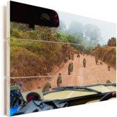 Wilde dieren op de weg in de Ngorongoro krater Vurenhout met planken 120x80 cm - Foto print op Hout (Wanddecoratie)