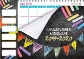 Family planner 2019-2020 - Schoolperiode - 1 juli 2019 t/m 1 augustus 2020 - 6 Personen - Krijt vlaggetjes - 34 x 24,5 cm