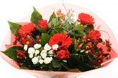 Biedermeier rood boeketje bloemen