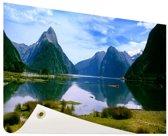 Milford Sound in Nieuw-Zeeland Tuinposter 60x40 cm - klein - Tuindoek / Buitencanvas / Schilderijen voor buiten (tuin decoratie) / Zee en Strand