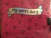 dagboek met slot roze met hartjes 15 cm bij 15 cm slotje zwart met twee sleuteltjes
