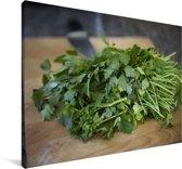 Groene peterselie op een snijplank Canvas 30x20 cm - klein - Foto print op Canvas schilderij (Wanddecoratie woonkamer / slaapkamer)