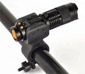 Bike mount in combinatie met Cree Q5 zaklamp  400 lumen - zwart