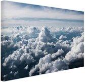 In de wolken Canvas 60x40 cm - Foto print op Canvas schilderij (Wanddecoratie woonkamer / slaapkamer)