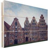 De typische oude huizen in het centrum van Lübeck in Duitsland Vurenhout met planken 90x60 cm - Foto print op Hout (Wanddecoratie)