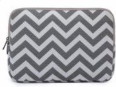13 inch Laptophoes Zigzag Print – Grijs – Laptoptas Sleeve met Rits Sluiting
