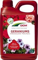 DCM Vloeibare Meststof Geraniums, Surfinia & Bloeiende Planten - 2,5 liter - set van 2 stuks