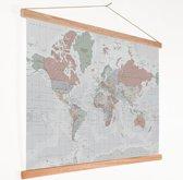 Wereldkaart Vintage op Schoolplaat Pastel 90x60 cm ronde stokken - Textielposter
