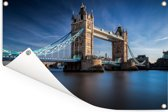 De Tower Bridge van Londen in het zonlicht Tuinposter 180x120 cm - Tuindoek / Buitencanvas / Schilderijen voor buiten (tuin decoratie) XXL / Groot formaat!