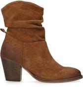 Manfield - Dames - Suède bruine korte laarzen met hak - Maat 39