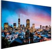 Skyline bij nacht Aluminium 90x60 cm - Foto print op Aluminium (metaal wanddecoratie)