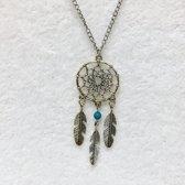 Fashionidea - Zeer mooie zilverkleurige ketting met blauw en zilverkleurige fantasie hanger