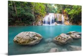 Met mos bedekte rotsen voor de waterval in nationaal park Erawan Aluminium 120x80 cm - Foto print op Aluminium (metaal wanddecoratie)