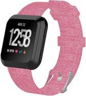 KELERINO. Nylon bandje - Fitbit Versa - Roze