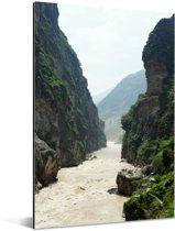 Stromende rivier in de Tijgersprongkloof in China Aluminium 80x120 cm - Foto print op Aluminium (metaal wanddecoratie)