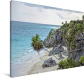 Strand bij het Mexicaanse Tulum met ruïnes Canvas 120x80 cm - Foto print op Canvas schilderij (Wanddecoratie woonkamer / slaapkamer)