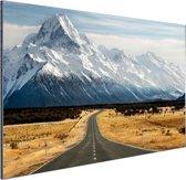 De weg naar Mount Cook Aluminium 180x120 cm - Foto print op Aluminium (metaal wanddecoratie)