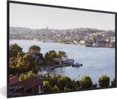 Foto in lijst - Rivier bij Istanbul fotolijst zwart 60x40 cm - Poster in lijst (Wanddecoratie woonkamer / slaapkamer)