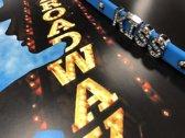 Colori 4 BRA10084 Siliconen Armband met Tekst Kiss - Zilverkleurig / Licht Blauw