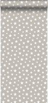 krijtverf vliesbehang sterretjes warm grijs - 128716 van ESTAhome nl