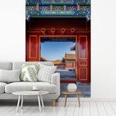 Fotobehang vinyl - De deuren van de Verboden Stad in China breedte 240 cm x hoogte 360 cm - Foto print op behang (in 7 formaten beschikbaar)