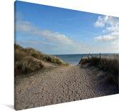 Pad tussen de duinen naar de stranden van D-Day in Europa Canvas 90x60 cm - Foto print op Canvas schilderij (Wanddecoratie woonkamer / slaapkamer)
