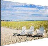 FotoCadeau.nl - Drie typische strandstoelen op strand Aluminium 60x40 cm - Foto print op Aluminium (metaal wanddecoratie)