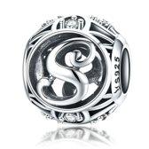 Zilveren alfabet bedel letter S met zirkonia steentjes