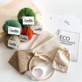 Creatief kerstpakket luxe punchnaald l duurzaam kerstpakket in kistje l Ecologisch kado voor handwerkster l Creatief Kerstpakket in kist met schuifdeksel l Ecologisch Wol kerstpakket Kleurset GROEN