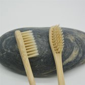 KELERINO. Bamboe Tandenborstel Zacht/medium - 2 stuks - Beige