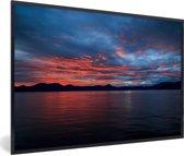 Foto in lijst - Zonsopkomst boven de Geirangerfjord in Noorwegen fotolijst zwart 60x40 cm - Poster in lijst (Wanddecoratie woonkamer / slaapkamer)