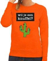 Wil je een Knuffel tekst sweater oranje voor dames 2XL