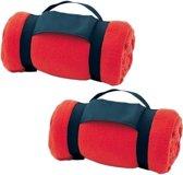 2x Fleece dekens/plaids rood met afneembaar handvat 160 x 130 cm - Woondeken - Fleecedekens