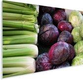 Rode en groen kool dat te koop is op een lokale boerenmarkt Plexiglas 160x120 cm - Foto print op Glas (Plexiglas wanddecoratie) XXL / Groot formaat!