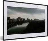 Foto in lijst - Prachtige horizon in de stad Dhaka fotolijst zwart met witte passe-partout 60x40 cm - Poster in lijst (Wanddecoratie woonkamer / slaapkamer)