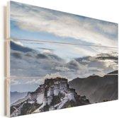 Mooie wolkenformatie boven het Potalapaleis Vurenhout met planken 90x60 cm - Foto print op Hout (Wanddecoratie)