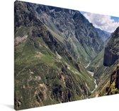 Een uitzicht over de Colca Canyon in het Zuid-Amerikaanse Peru Canvas 30x20 cm - klein - Foto print op Canvas schilderij (Wanddecoratie woonkamer / slaapkamer)