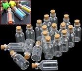 Kleine Glazen Mini Flesjes Met Kurk Deksel Dop - Lege Glas Decoratie Flesjes - Transparant - Set Van 20 Stuks - Inhoud 5 Ml