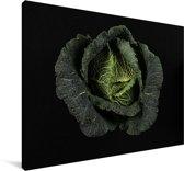 Een savooiekool tegen een zwarte achtergrond Canvas 30x20 cm - klein - Foto print op Canvas schilderij (Wanddecoratie woonkamer / slaapkamer)