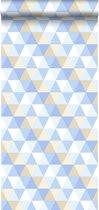 HD vliesbehang driehoekjes licht blauw, beige en wit - 138712 van ESTAhome nl